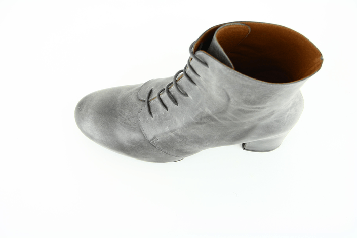 KMB - Fredy Ranch Grey Leather