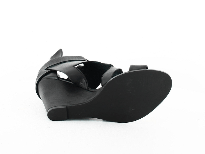 Black Lily - kuma shoe black
