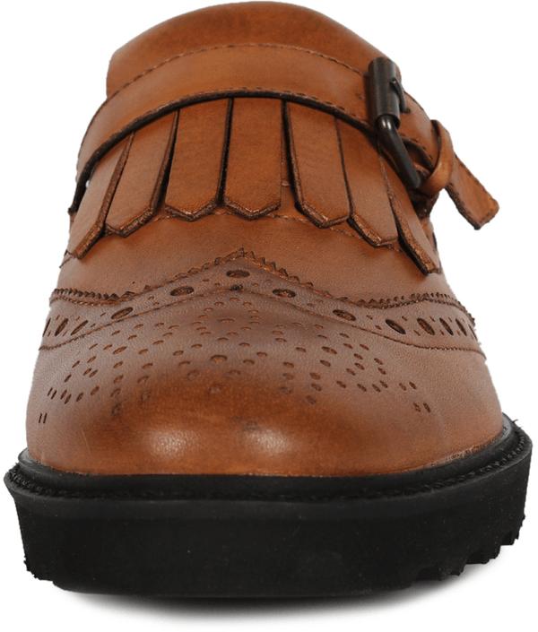 kengät puvun kanssa Kristiinankaupunki