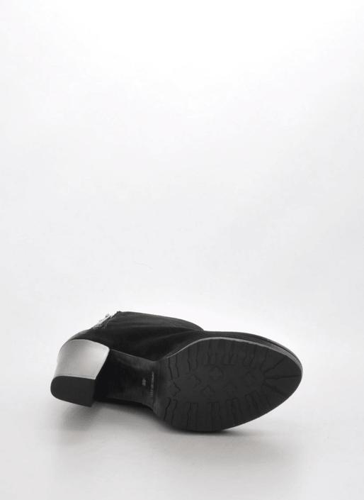 A Pair - 7450 Black