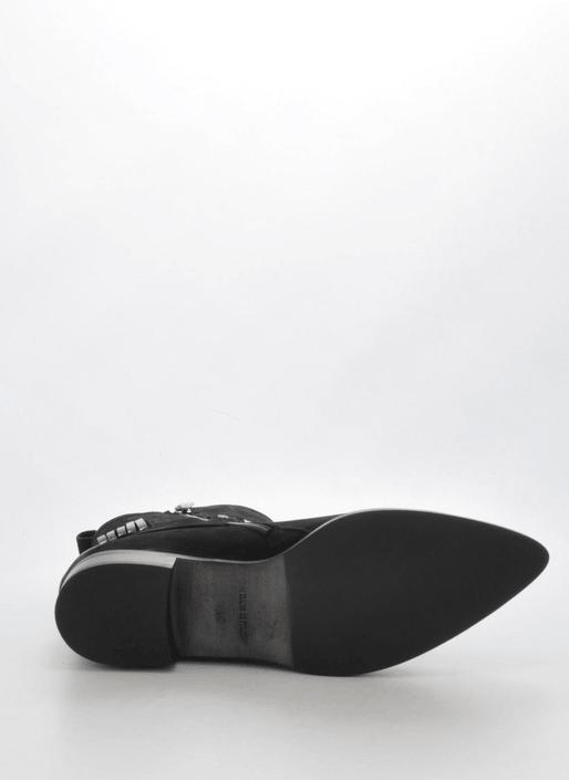 A Pair - 7518 Black