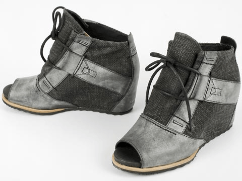 Sorel Lake Wedge